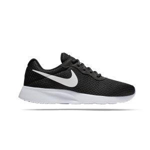 nike-tanjun-sneaker-schwarz-f011-812654-lifestyle-schuhe-herren-sneakers-freizeitschuh-strasse-outfit-style.png