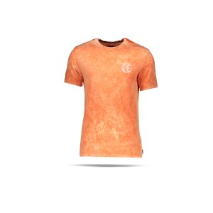 nike-f-c-graphic-soccer-t-shirt-orange-f837-cu4226-lifestyle_front.png