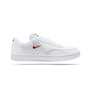 nike-court-vintage-premium-sneaker-weiss-f100-ct1726-lifestyle.png