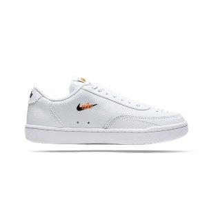 nike-court-vintage-premium-sneaker-damen-f100-cw1067-lifestyle.png